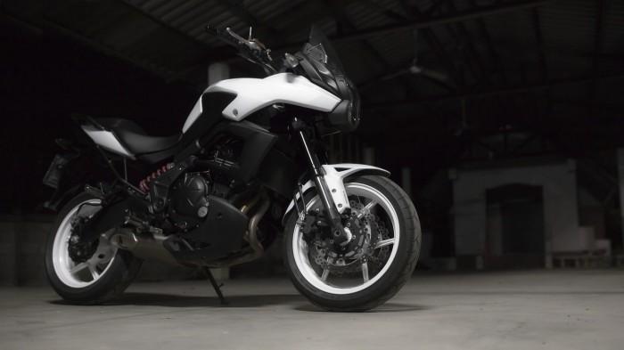 Kawasaki Versys white